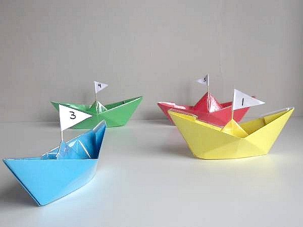 Make Paper Boat that Floats on Water - How to make an Origami Boat ... | 450x600