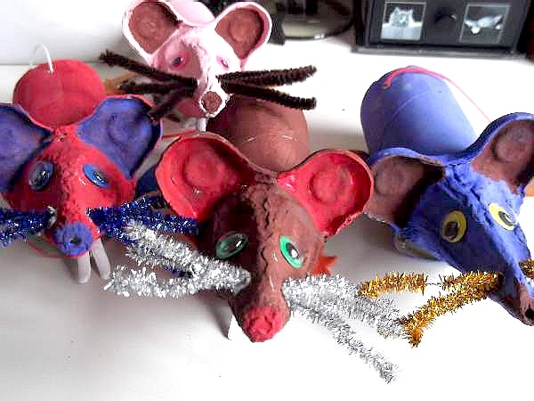 mice crafted from an egg box