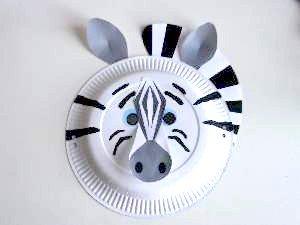 paper plate zebra mask